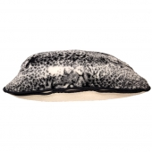 Подушка (белый меринос / черный леопард)